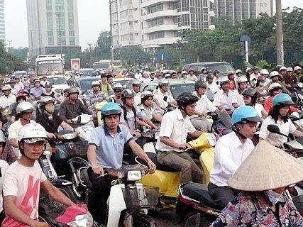 http://media.thethaovanhoa.vn/2010/08/25/07/28/xe.jpg