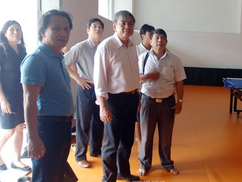 Pho Tong cuc truong Tong cuc TDTT: �SKhong the tu minh lam roi ren noi bo minh len�