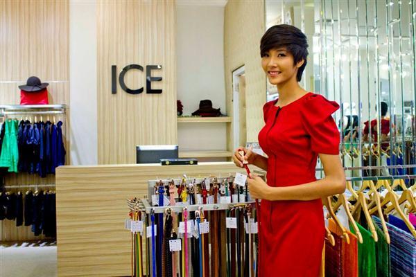Hoàng Thuỳ sang Đức thi Top Model of the World