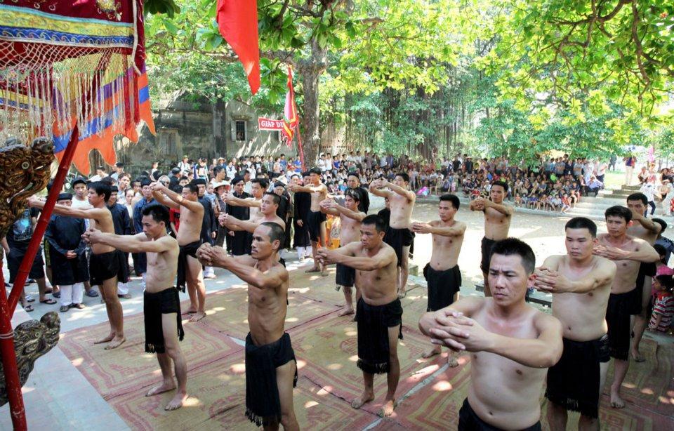 http://media.thethaovanhoa.vn/2012/05/07/12/56/lamle.jpg