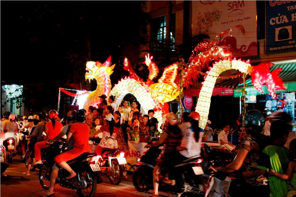 Rực rỡ đèn hoa trung thu Tuyên Quang