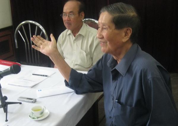 """Nhạc sĩ Phạm Tuyên: Ca khúc """"xua"""" máy bay quân thù"""
