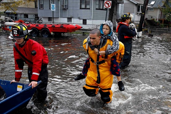 Những siêu nhân Mỹ giữa bão Sandy