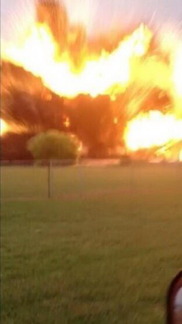Tiêu điểm - Hiện trường vụ nổ khủng khiếp 'như bom hạt nhân' ở Texas (Hình 2).