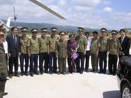 Chùm ảnh: Đại tướng Võ Nguyên Giáp thăm lại chiến trường Điện Biên Phủ ảnh 2