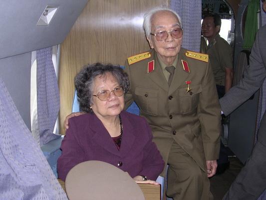 Chùm ảnh: Đại tướng Võ Nguyên Giáp thăm lại chiến trường Điện Biên Phủ ảnh 3