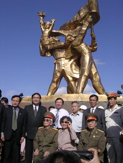 Chùm ảnh: Đại tướng Võ Nguyên Giáp thăm lại chiến trường Điện Biên Phủ ảnh 5