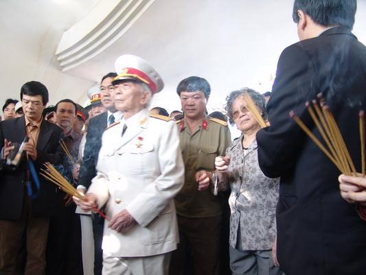 Chùm ảnh: Đại tướng Võ Nguyên Giáp thăm lại chiến trường Điện Biên Phủ ảnh 6