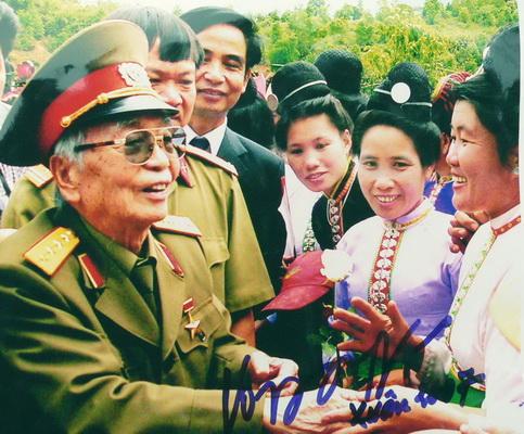 Chùm ảnh: Đại tướng Võ Nguyên Giáp thăm lại chiến trường Điện Biên Phủ ảnh 7