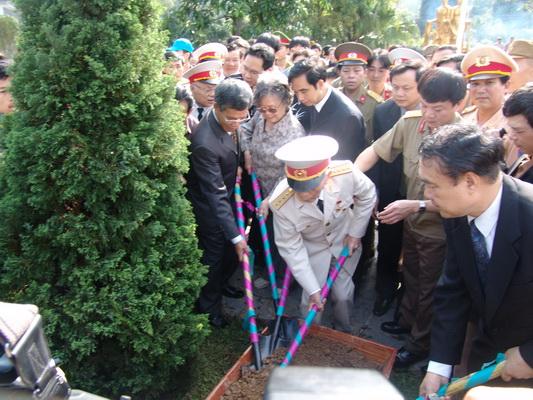 Chùm ảnh: Đại tướng Võ Nguyên Giáp thăm lại chiến trường Điện Biên Phủ ảnh 8
