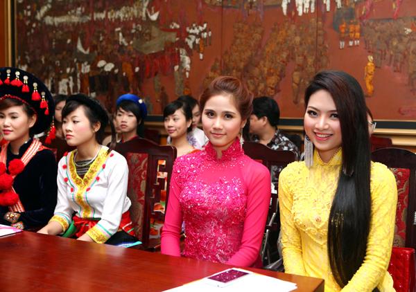 sinh dự thi Hoa hậu các Dân tộc Việt Nam lần 3 - 2013