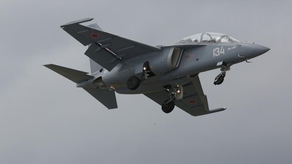 Máy bay mô hình: Nga sẽ ký hợp đồng vũ khí khủng ở Paris