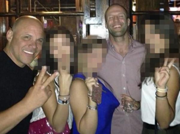 'Người vận chuyển' Jason Statham thác loạn, say xỉn, đánh phụ nữ
