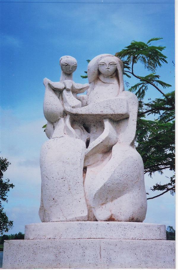 Đức Mẹ dâng Chúa Giêsu vào Đền Thánh. 31