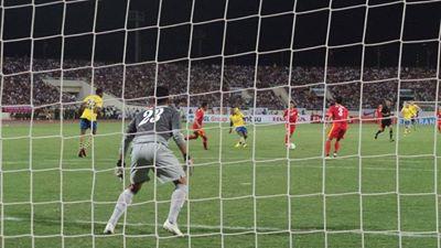 Việt Nam 1-7 Arsenal: Mưa bàn thắng tại Mỹ Đình