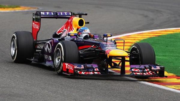Phân hạng GP Italy: Vettel giành pole