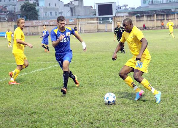 Bán kết giải bóng đá Thanh – Nghệ 2013: Cơ hội chia đều