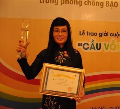 Người đẹp Vũ Thiên Kiều: Thắng giải truyện ngắn về đồng tính