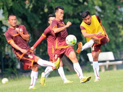 Một ngày trước trận Việt Nam - Indonesia: Lấy bóng bổng trị bóng bổng!