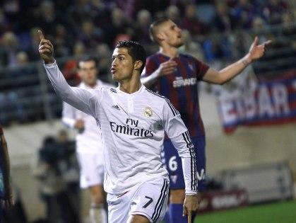 CẬP NHẬT tin sáng 27/11: Liverpool lại không thắng. Arsenal rửa hận. Ronaldo cân bằng kỷ lục của Raul