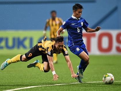 Hạ Malaysia 2-0, Thái Lan nắm lợi thế lớn