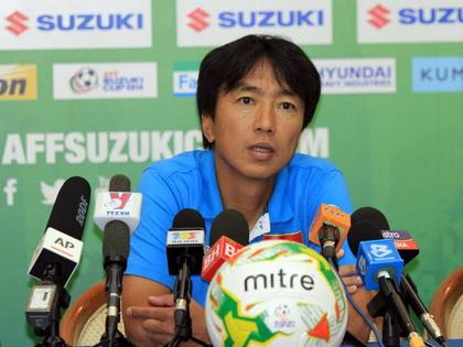 HLV Hoàng Văn Phúc: 'Cái hay của ông Miura là dám tin cầu thủ trẻ'