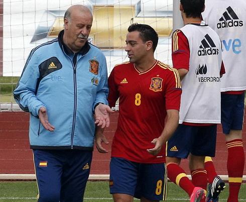 Xavi lẽ ra đã rời ĐT TBN năm 2012 nếu không có sự can thiệp của Del Bosque