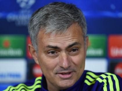 Mourinho: 'Man United vẫn có thể vô địch'. Carrick được làm đội phó. Bayern thắng nhọc