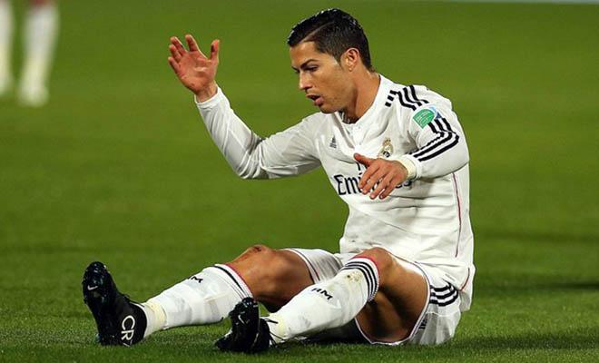 Ronaldo, khoảng tối trong đêm hoa đăng
