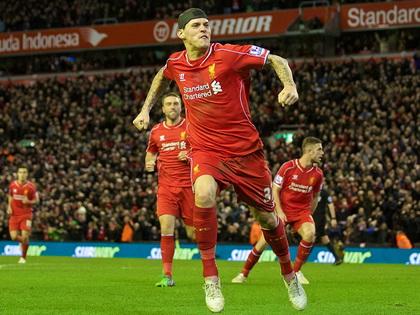 Liverpool 2–2 Arsenal: Skrtel lập công, Liverpool thoát thua phút cuối