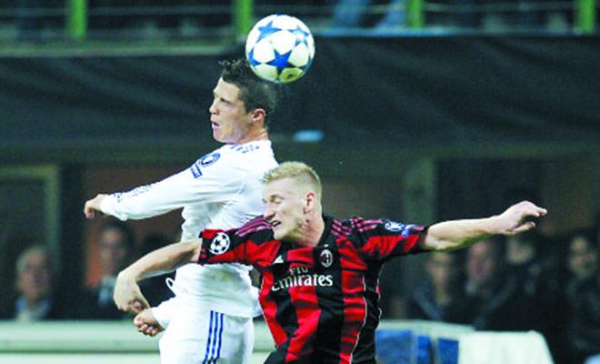 Cristiano Ronaldo chỉ có thể đến Milan theo dạng... mượn