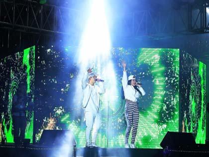 Đại nhạc hội đón năm mới thu hút hàng trăm nghìn khán giả Hà Nội