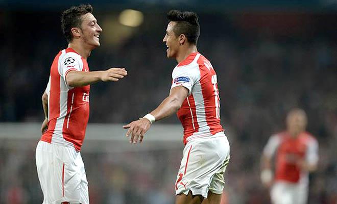 Góc kỹ thuật: Sanchez vắng mặt, Oezil... được lợi?
