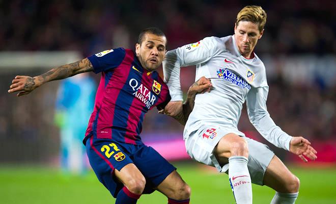 Barca, hãy giữ Alves luôn và ngay!