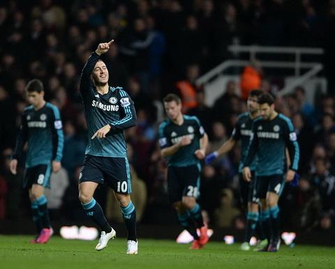 West Ham 0-1 Chelsea: Hazard lập công, Chelsea băng băng về đích