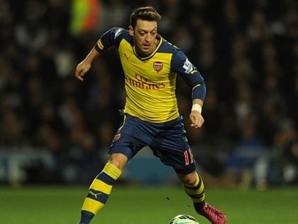 THỐNG KÊ: Mesut Oezil không lười, là cầu thủ chạy nhiều nhất Arsenal!