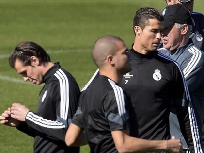 Real Madrid không bình yên: 'Nội chiến' phòng thay đồ