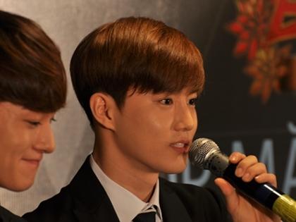 """Sao Hàn EXO: """"Chúng tôi ăn nhiều phở để hát tiếng Việt hay hơn"""""""
