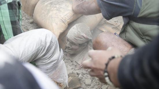 Động đất kinh hoàng ở Nepal: Chính phủ chi nửa tỉ đô. Ấn Độ điều máy bay, Mỹ cử đội cứu nạn tới giúp