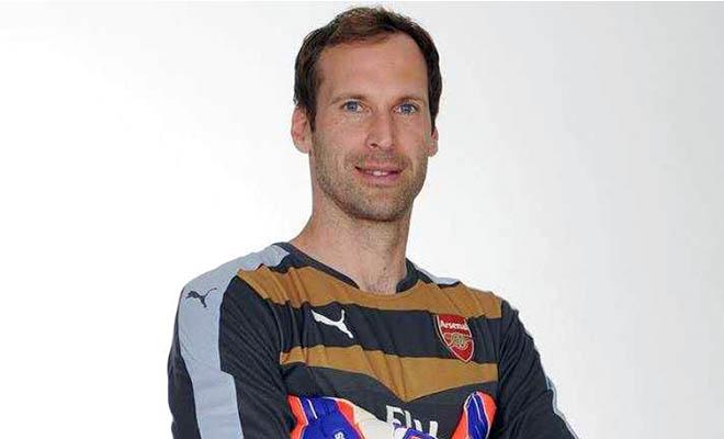 Arsenal: Cech theo bước Jennings và Lehmann?