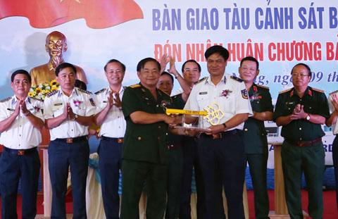 Tàu CSB 9004 của Cảnh sát biển là tàu kéo cứu hộ lớn nhất đóng tại Việt Nam