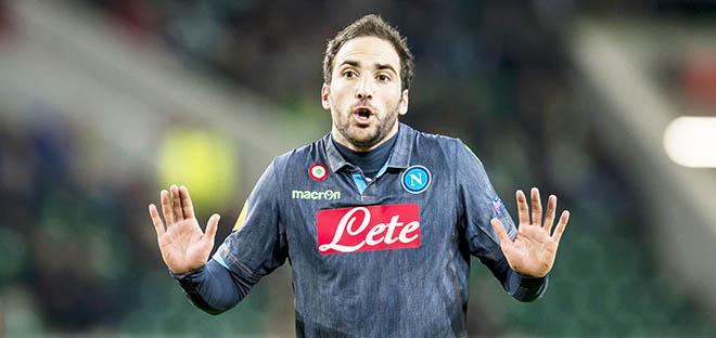 Serie A: Vụ Sterling ảnh hưởng thế nào đến Higuain?
