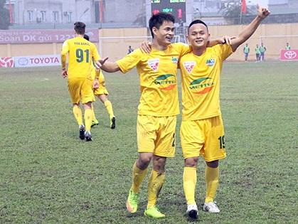 Thanh Hóa 2-1 SLNA: Đình Tùng và Omar ghi bàn, Thanh Hóa giành thắng lợi