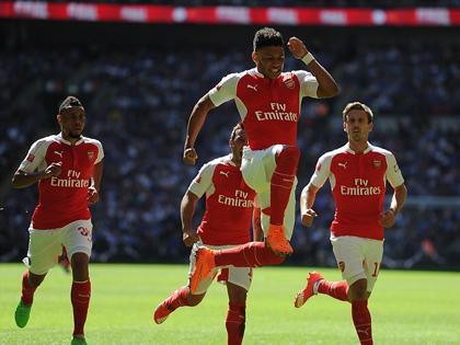 Điểm nhấn Arsenal 1-0 Chelsea: Khi Wenger thay đổi, 'bắt bài' được Mourinho