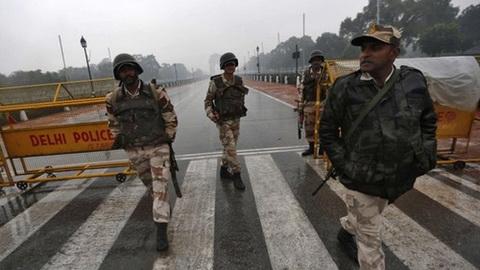 Ấn Độ lo bị khủng bố bằng khinh khí cầu, dù lượn...