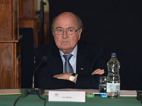 NÓNG: FIFA đình chỉ công tác ông Blatter trong 90 ngày
