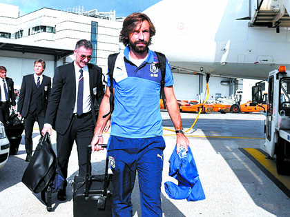 Conte 'ép' Pirlo về Italy khoác áo… Inter?