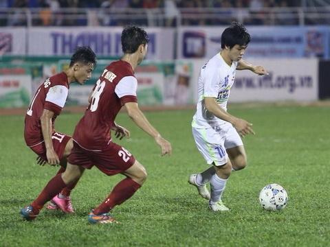 VIDEO: Xem Công Phượng lập siêu phẩm nghĩ về bàn thắng đẹp nhất V-League của Quốc Phương