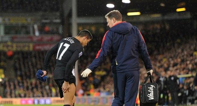 Sanchez chấn thương, Henry chỉ trích Wenger