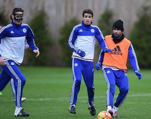 Chơi hộp đêm tới 3h sáng, Costa vẫn có mặt đúng giờ nơi sân tập